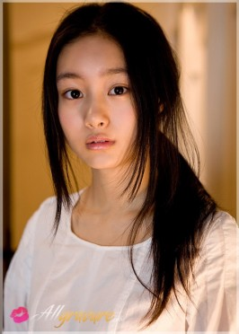Shiori Kutsuna  from ALLGRAVURE