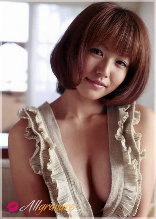 Sayaka Isoyama  nackt