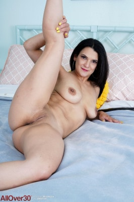 Mio Moore  from ALLOVER30