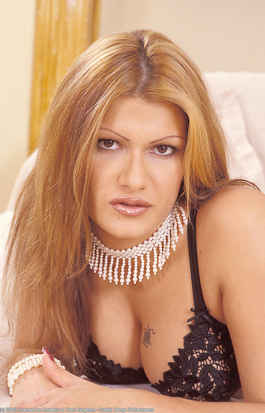 Szilvia in babes gallery from ATKARCHIVES