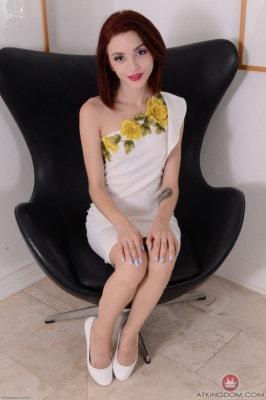Lola Fae  from ATKGALLERIA