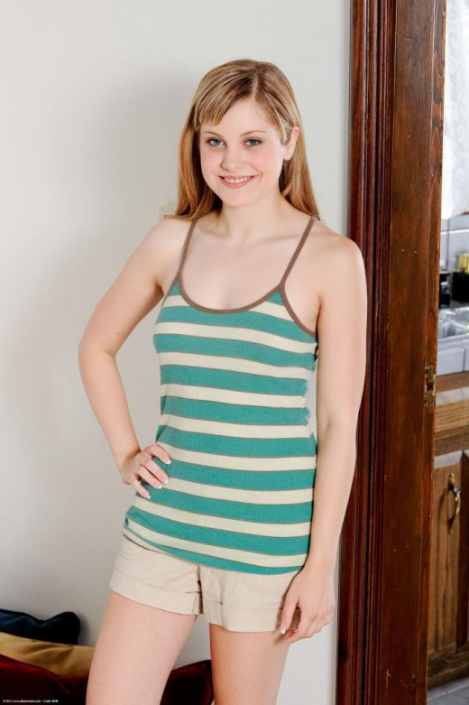 Missy M. Gold in amateur gallery from ATKPETITES