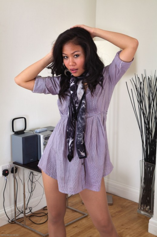 Kimmi in exotic and hairy gallery from ATKPETITES