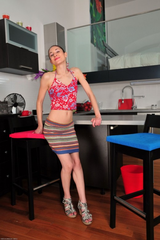 Jennifer in young and hairy gallery from ATKPETITES