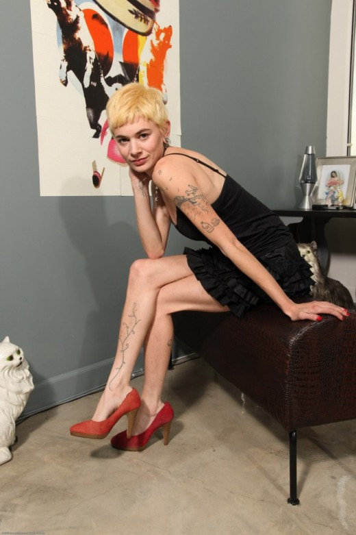 Dani in scary hairy gallery from ATKPETITES