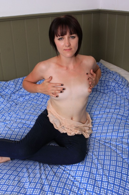 Keilyn in young and hairy gallery from ATKPETITES