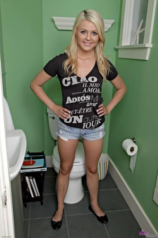 Chloe Lynn in amateur gallery from ATKPETITES