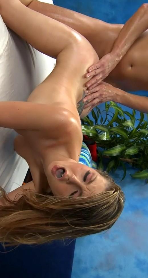 Nackt Antonia Lurie  war on
