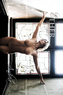 Andrea  from ETHERNUDES