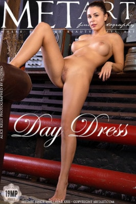 Kelly Benson  nackt
