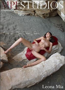 Leona Mia  from MPLSTUDIOS