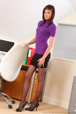 Lauren H  from ONLYSECRETARIES