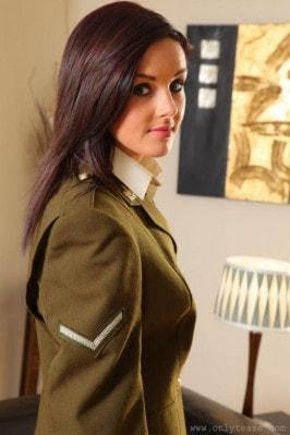 Lauren H  from ONLYTEASE