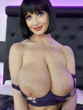 Lisa Hyde  nackt